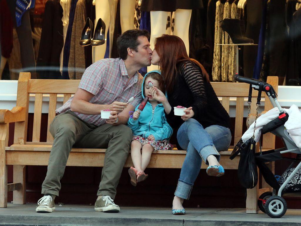 Alyson Hannigan küsst ihren Mann