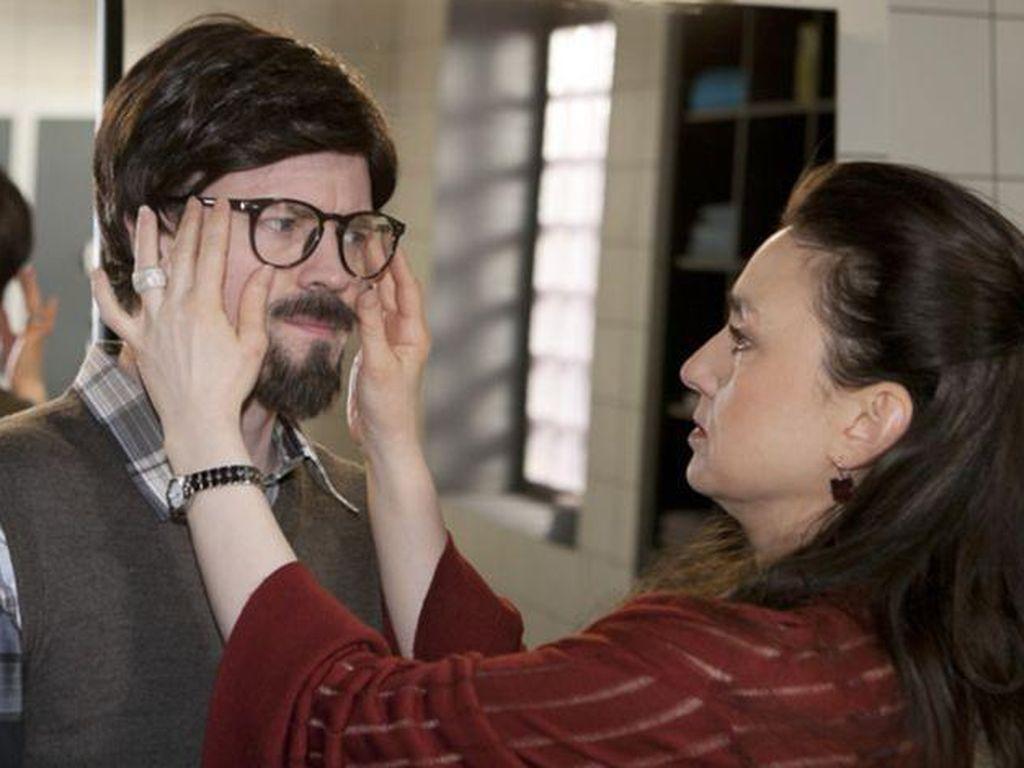 Daniel Aichinger als Dr. Axel Schwarz und Simone (Tatjana Clasing)