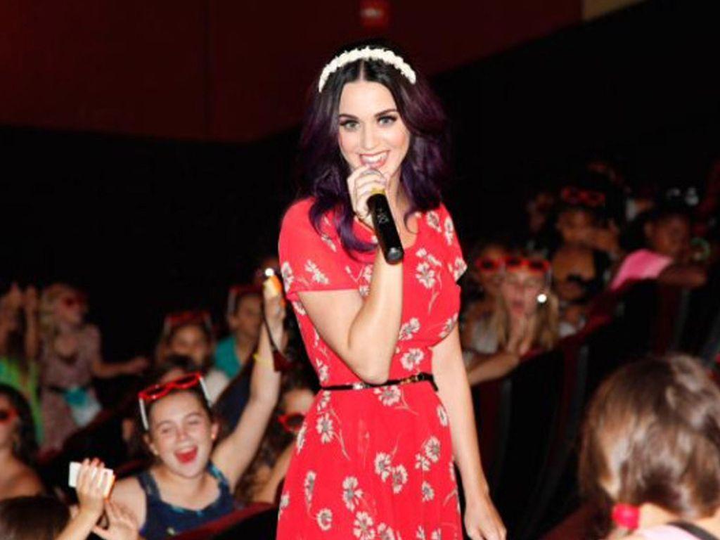 Katy Perry mit Mirko bei Fans