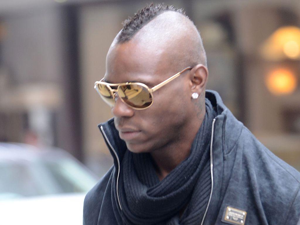 Mario Balotelli mit Sonnenbrille