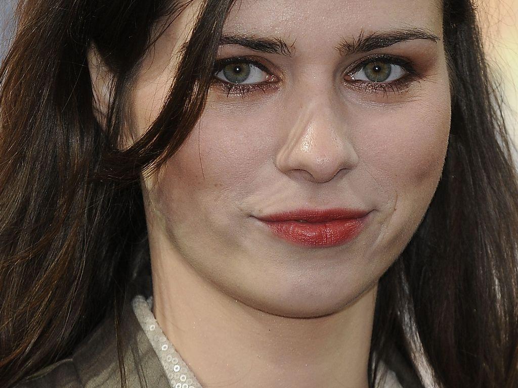 Offroad: Nora Tschirner vertickt jetzt Drogen