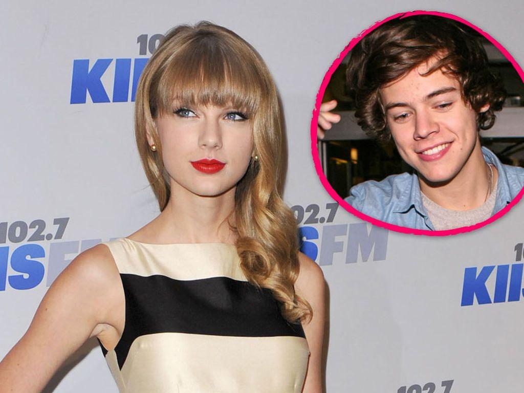 Taylor Swift im gestreiften Kleid und Harry Styles
