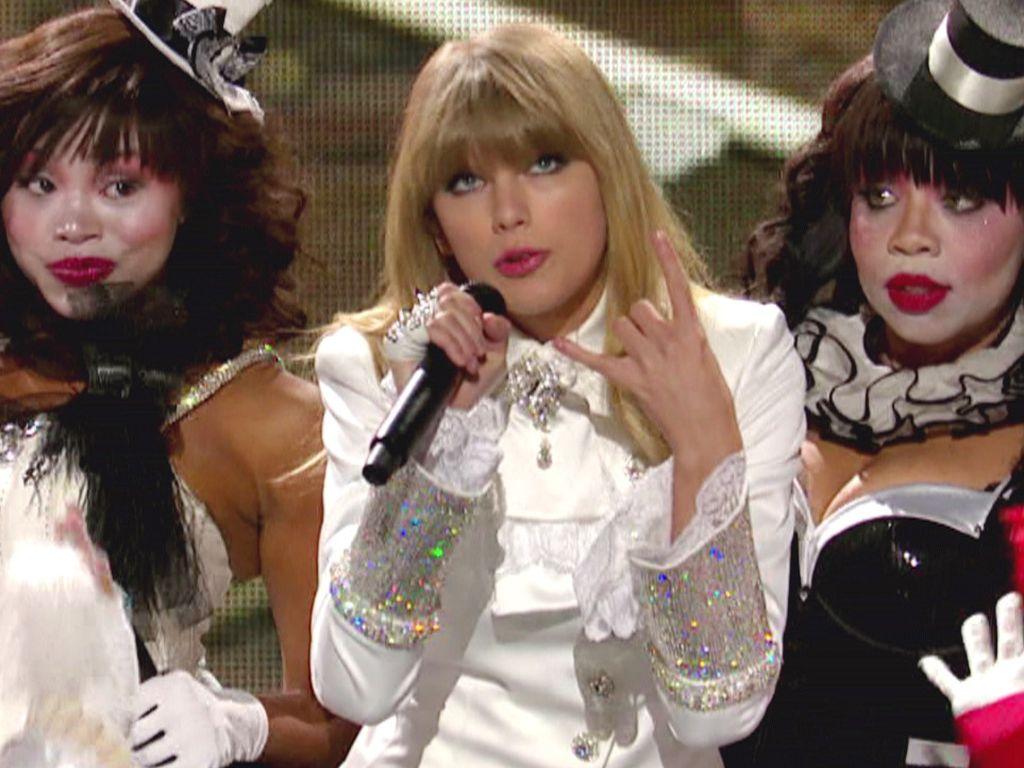 Taylor Swift performte bei den Grammys