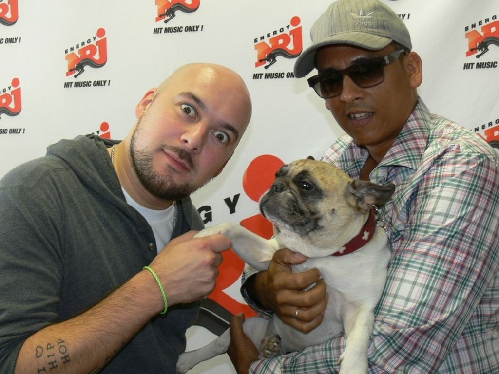Xavier Naidoo und Kool Savas bei Radio Energy Moderator mit Hund