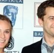Diane Kruger ist mit ihrem Freund Joshua Jakson auch ohne Hochzeit glücklich