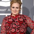 Adele bringt ein bisschen mehr auf die Waage