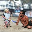 Papa Gavin Rossdale baut ausgiebig Sandburgen mit Sohnemann Zuma