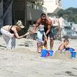 Gwen Stefani genießt einen Tag am Meer mit der kompletten Familie