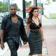 Kim war gerade mit Kanye auf dem Weg zum Restaurant, als Paparazzi das Paar erwischten