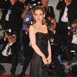 """Winona Ryder zeigte sich im schwarzen Kleid bei der Premiere ihres neuen Films """"The Iceman"""""""