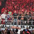 Triple H beendete den Spaß und kam zurück zu seiner ernsthaften Fehde mit Brock