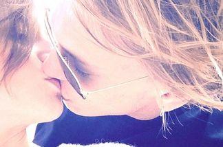Lily Collins ist wieder mit ihrem Schauspielkollegen Jamie Campbell Bower zusammen