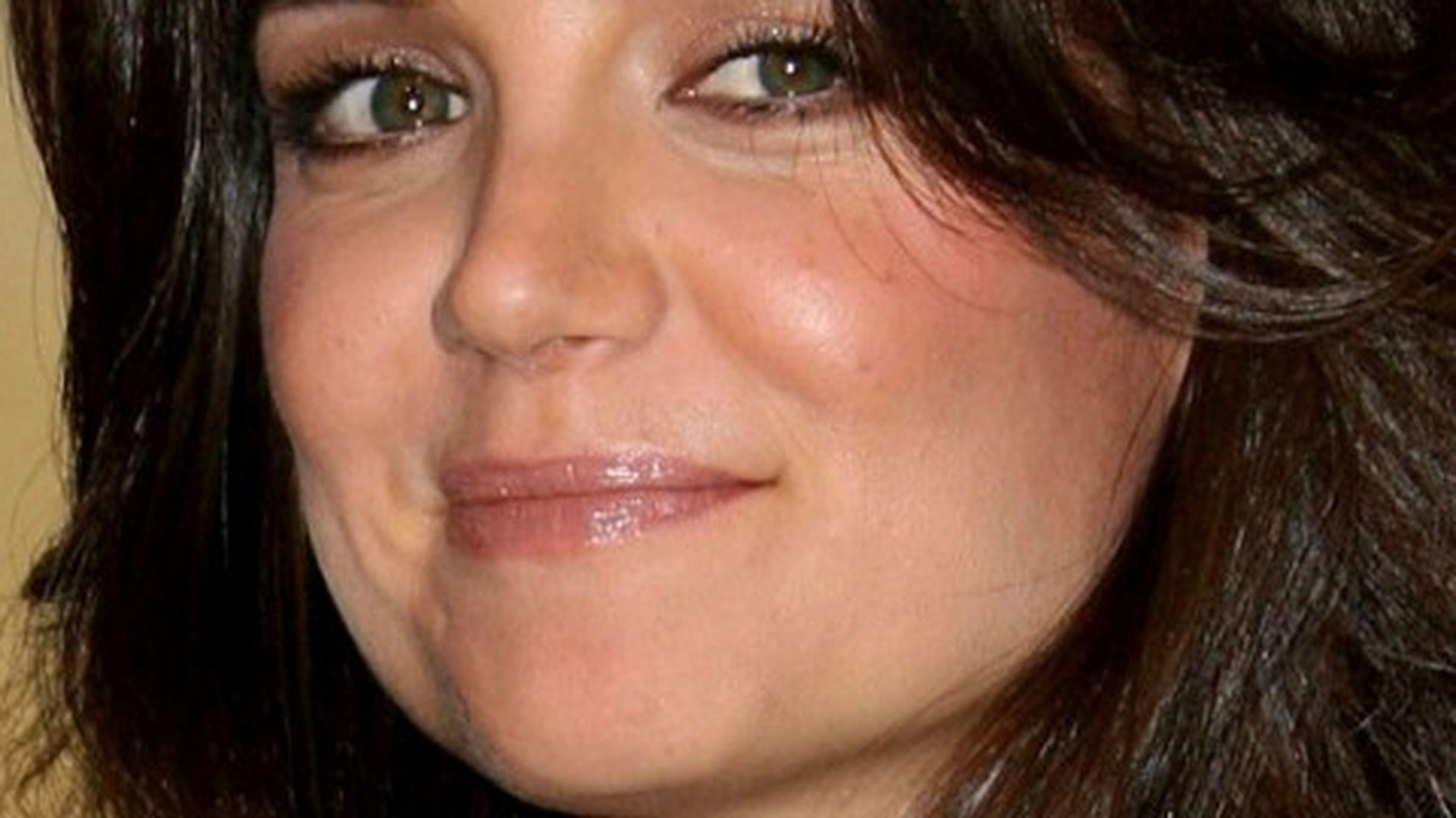 Katie Holmes In Einem