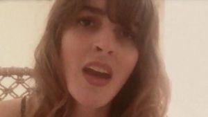Ali Lohan singt