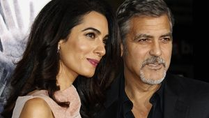 Amal Clooney mit Wölbung am Bauch