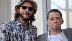 Ashton Kutcher und Jon Cryer beim Walk of Fame