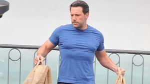 Ben Affleck trägt Tüten und sieht aufgepumpt aus
