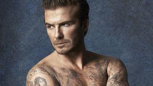 David Beckham posiert in Badeshort