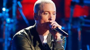 Eminem rappt