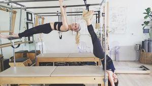 Emma Roberts und Freundin turnen
