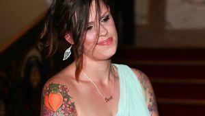 Fifi Geldof trägt ein Peaches-Tattoo