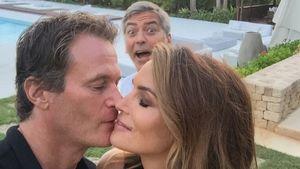 George Clooney photobombed Cindy Crawford und Rande Gerber
