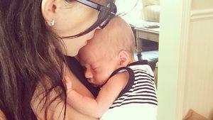Hilaria Baldwin mit ihrem Sohn