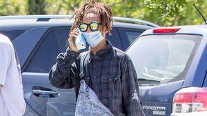 Jaden Smith mit Mundschutz und Milchtüte