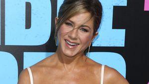 Jennifer Aniston schön auf dem roten Teppich