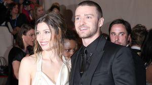 Jessica Biel & Justin Timberlake lächeln