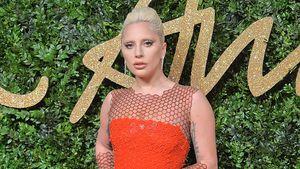 Lady GaGa posiert am Red Carpet