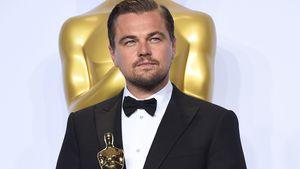 Leonardo DiCaprio hält seinen Oscar ganz fest