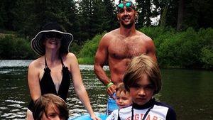 Melissa im Badeanzug beim Familienausflug