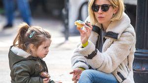 Sienna Miller und ihre Tochter essen Muffins