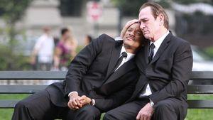 Will Smith und Tommy Lee Jones kuscheln