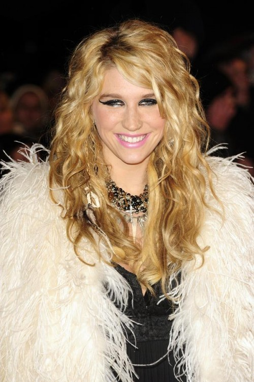 Kesha ist mal wieder Gesprächsthema Nummer 1