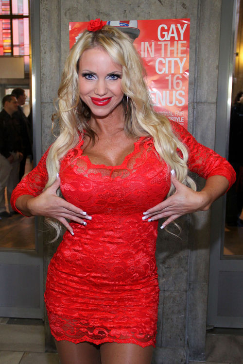 Annina Ucatis hat geheiratet