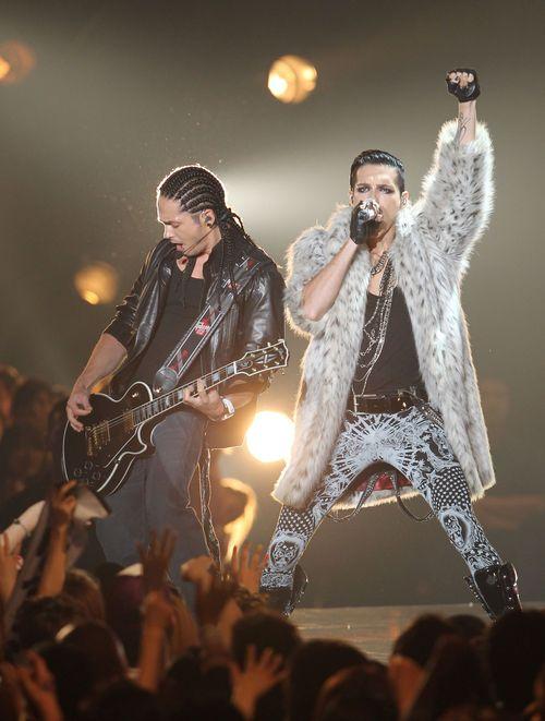 Tokio Hotel en los Premios MTV VMA Japón - 25.06.11 - Página 6 Bill-und-tom-kaulitz