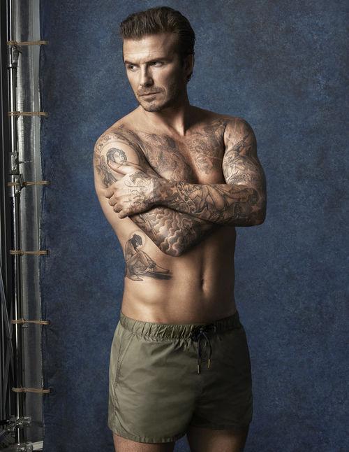 David Beckham hat alle seine Familienmitglieder mit Tattoos auf seinem Körper verewigt