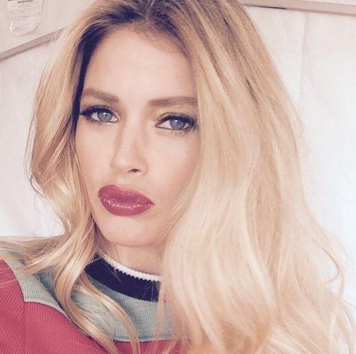 Stars wie Doutzen Kroes stehen auf sexy Selfies