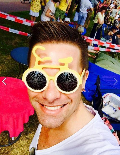 "Eloy de Jong erschien mit einem ""Nasenfahrrad"" zur Tour de France"