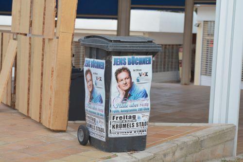 Jens Büchner ziert jetzt die Mülltonne auf Malle