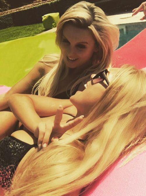 Jessica Paszka postete ein Bild von sich und Katja Kühne