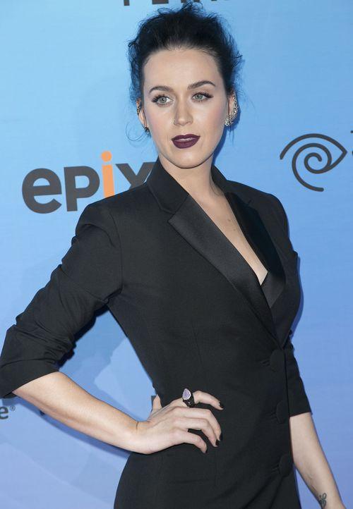 Katy Perry reist stets mit haarigem Gepäck
