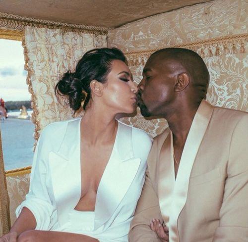 Kim Kardashian und Kanye West feiern heute ihren ersten Hochzeitstag