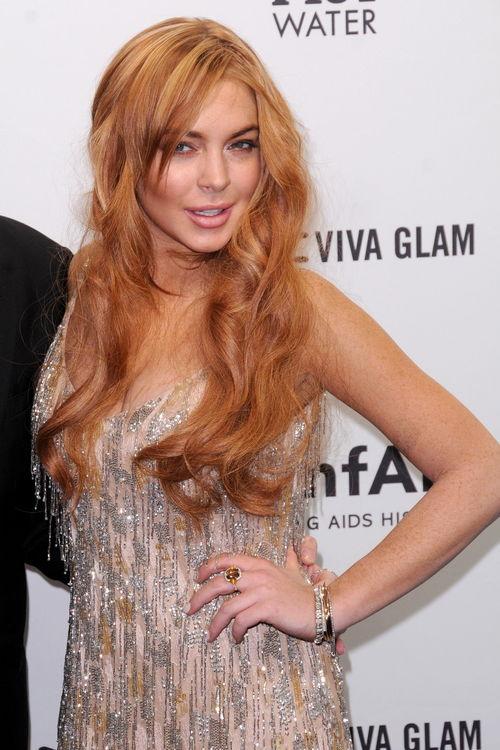 Lindsay Lohan trifft sich anscheinend mit einem neuen Mann