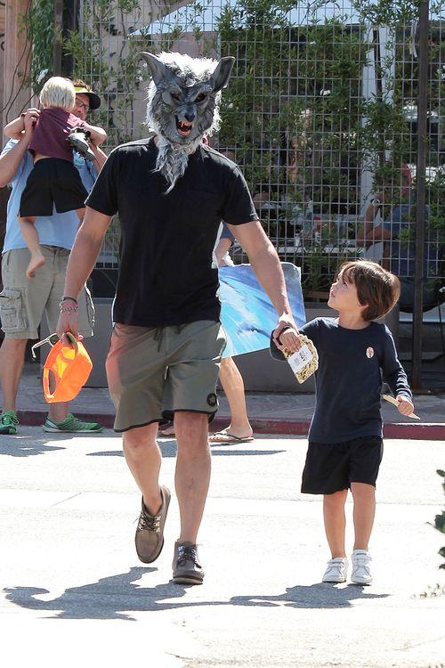 Ohje! Der kleine Flynn fragt sich sicher, warum der Papa so komisch aussieht