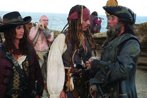 Johnny Depp soll den Alkohol am Set weglassen