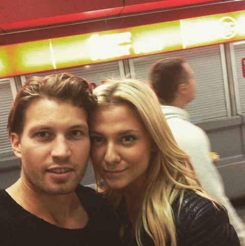 Raúl Richter postet ein Selfie von sich und seiner Valentina