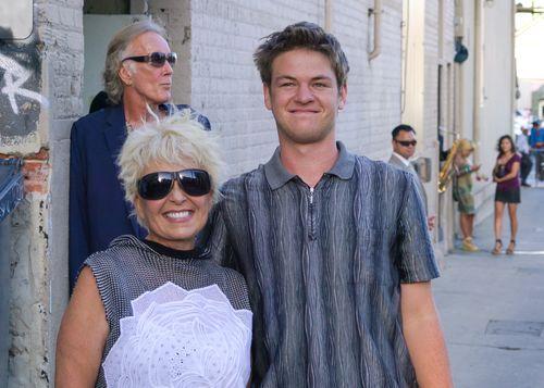 Roseanne Barr hat sich mit ihrem jüngsten Sohn gezeigt